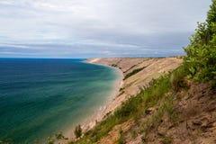 lakeshore roches décrites nationales photographie stock