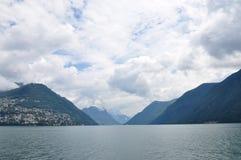 Lakeshores von Lugano See, die Schweiz Stockfotos