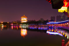 The lakeside buildings night xian Royalty Free Stock Images