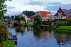 Free Lakeside Holiday Homes Morning Idyll Stock Photo - 97480510