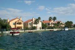 Lakeside neighborhood. Luxury homes neighborhood by the lake Royalty Free Stock Images
