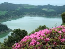 Lakesidelandskap på cidades för lagoadas-sete Royaltyfri Bild