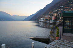 Lakesiden av Argegno Royaltyfri Foto