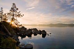 lakesolnedgång Fotografering för Bildbyråer