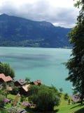 lakeswitzerland thun Arkivfoton