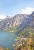Lakeview e piattaforma di osservazione del villaggio del hallstatt Fotografia Stock Libera da Diritti