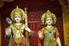 Lakhashminarayan άγαλμα Shree, BAPS Swaminarayan mandir, Katraj στοκ εικόνες