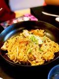 Laksa-Spaghetti-Fusionslebensmittel Stockfoto
