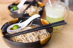 Laksa, traditionelles Lebensmittel in Kuching, Borneo Lizenzfreies Stockbild