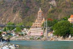 Lakshman Jhula most w Rishikesh dolinie zdjęcie royalty free