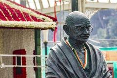 Lalbagh exhibición floral enero de 2019 - estatua de Gandhi y Ashram de Sabarmathi fotografía de archivo libre de regalías