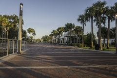 Free Lale Tohopekaliga Located In Kissimmee, Floria During A Beautiful Morning On A Fall Day Stock Image - 159461591