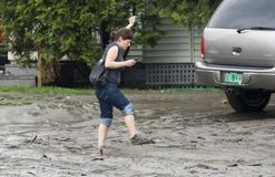 Lama da inundação em toda parte Fotografia de Stock