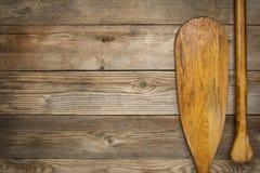 Lama e presa della pagaia della canoa Immagini Stock