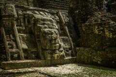 面具寺庙, Lamanai废墟 免版税库存图片