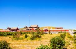 Lamasery ed Obo (Aobao) - totem mongolo. Fotografia Stock