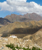 Lamayuru monasteru panorama przy himalajami Fotografia Stock