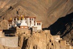 Lamayuru o Yuru Gompa, distretto di Kargil, Ladakh occidentale, India Immagini Stock