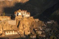 Lamayuru o Yuru Gompa, distretto di Kargil, Ladakh occidentale, India Fotografie Stock