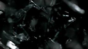Lambeaux en baisse en verre avec le mouvement lent clips vidéos