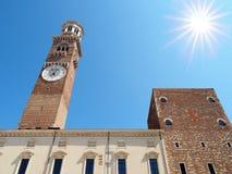 Lamberti-Turm-Marktplatz Erbe Verona Italy Stockbild