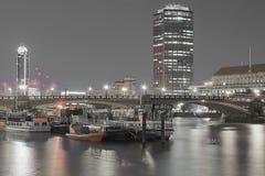 Lambeth-Brücke nachts, London, Großbritannien stockfotografie