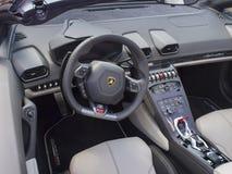 Lamborghini-Armaturenbrett Stockbilder