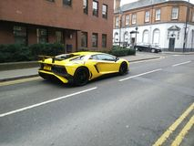 Lamborghini auf Straße Stockbild
