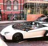 Lamborghini Aventador在伦敦 库存照片