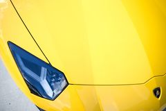 Lamborghini Aventador S huv 2018 och billykta royaltyfri fotografi