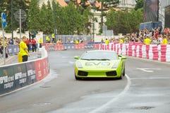 Lamborghini Gallardo na rua de Verva que compete 2011 Foto de Stock