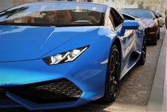 Lamborghini Huracan Spyder in Dubai, Dubai Jachthafen stockbilder