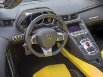 Lamborghini instrumentbräda Arkivfoton