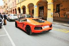 Lamborghini luminoso fotografie stock libere da diritti