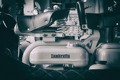 Lambretta葡萄酒短跑小型摩托车 图库摄影