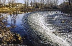 Lambro flod i den Monza parken Arkivbild