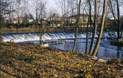 Lambro flod i den Monza parken Arkivbilder