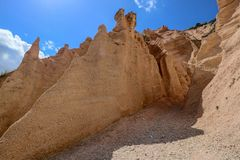 Free Lame Rosse Royalty Free Stock Photo - 155625365