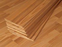 Lamellenförmig angeordneter Bodenbelag Stockbilder