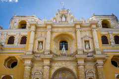 LaMerced kyrka - Antigua, Guatemala Royaltyfri Fotografi