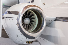 Lames détaillées de tturbine d'insigh d'un moteur à réaction d'avions, fin de moteur d'avion d'affaires vers le haut de vue détai Image stock