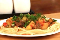 Lamian è un piatto nazionale centroasiatico Immagine Stock