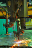 Lamina di metallo di taglio del laser Fotografia Stock Libera da Diritti