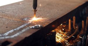 Lamina di metallo di taglio di gas di CNC di alta precisione Fotografie Stock