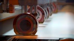 Laminatoio della pasta-carta e della carta stock footage