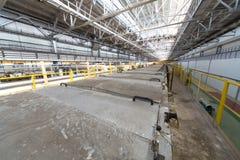 Laminatoio di alluminio nel negozio di produzione Fotografia Stock Libera da Diritti