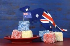 Lamingtons rossi, bianchi e blu di giorno dell'Australia Fotografie Stock Libere da Diritti