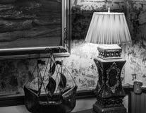 Lamp en ModelBoat stock afbeeldingen