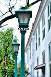 Lamp in tuin stock afbeeldingen