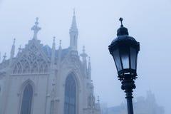 Lampa historique en parc dans le Lednice Image stock